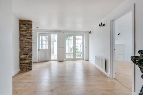 4 bedroom detached house to rent - Agincourt Road, South End Green, London