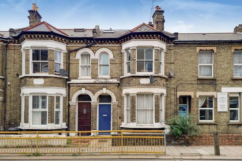 1 bedroom flat for sale - Plough Road, London