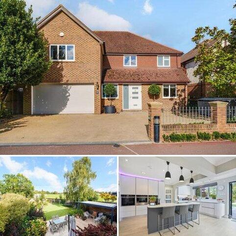 4 bedroom detached house for sale - St. Nicholas Road, Thames Ditton, Surrey, KT7