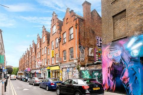 3 bedroom terraced house for sale - Hanbury Street, London, E1