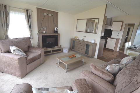 2 bedroom lodge for sale - Broadland Sands, Lowestoft