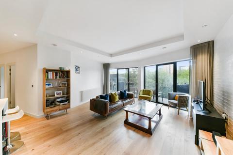 3 bedroom apartment for sale - Modena House, London City Island, London, E14