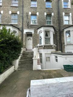 Studio to rent - 12 Fonthill Road, London N4