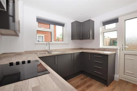 2 bedroom ground floor maisonette to rent - Broad Oak Way, Hatherley, Cheltenham, GL51 3LG