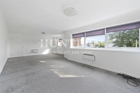 3 bedroom flat to rent - Acol Road, London, NW6 3AP