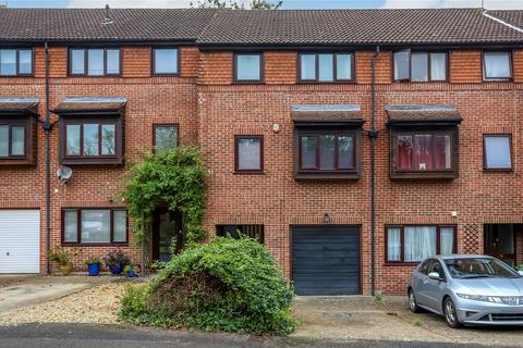 3 bedroom terraced house for sale - Honeysuckle Close, Winchester, SO22