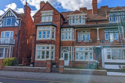 2 bedroom flat for sale - South Parade, Skegness, PE25