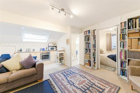1 bedroom apartment for sale - Pines Court, 48 Victoria Drive, Southfields