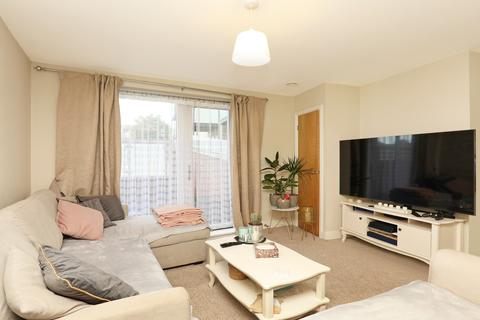 1 bedroom flat for sale - Red Lion Court, 1b The Broadway, Greenford, UB6