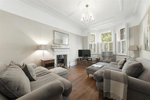 3 bedroom flat for sale - Rowfant Road, SW17