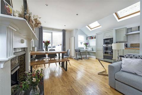 2 bedroom apartment for sale - Montholme Road, SW11