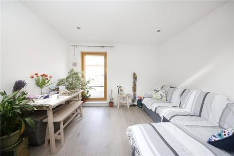 1 bedroom apartment to rent - Paragon Road, Hackney, E9