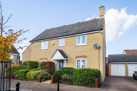 4 bedroom detached house for sale - Langlands Road, Bedford