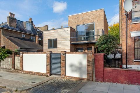 2 bedroom detached house for sale - High Road, London, N22