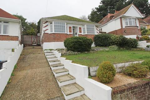 3 bedroom bungalow to rent - Connaught Crescent, Poole