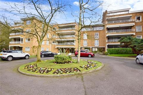4 bedroom flat for sale - Sunset Avenue, Woodford Green, Essex