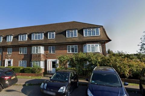 3 bedroom flat for sale - Drayton Court,  Tolworth,  KT5