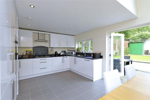 4 bedroom terraced house to rent - Mallinson Road, SW11