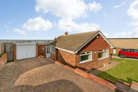 2 bedroom detached bungalow for sale - Norview Road, Whitstable