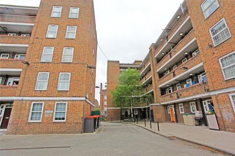 3 bedroom apartment to rent - Arran House, Stamford Hill, London, N16