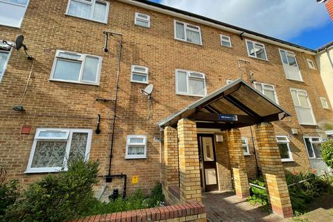 3 bedroom apartment for sale - Mill Green, Mitcham Junction, CR4