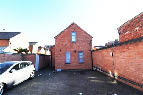 2 bedroom semi-detached house to rent - Roe Road, Northampton