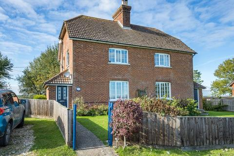 4 bedroom cottage for sale - Havenstreet, Isle Of Wight