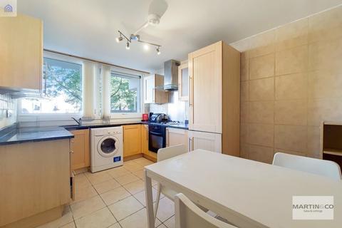 2 bedroom apartment to rent - 97 Denton Malden Crescent