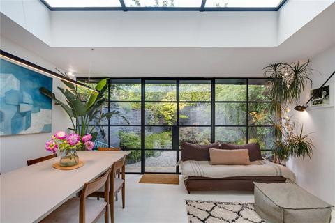 3 bedroom semi-detached house to rent - Jeffreys Street, London