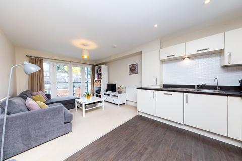 2 bedroom flat for sale - Orchard Grove, Orpington