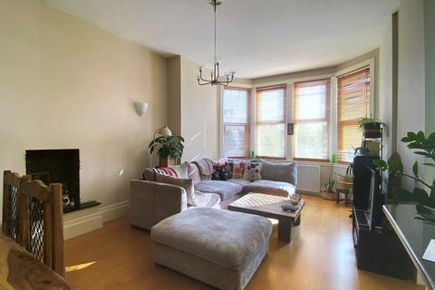 2 bedroom barn conversion to rent - Woodside Grove, North Finchley, London, N12