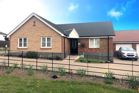 2 bedroom detached bungalow for sale - Plot 1, Brendon Drive, IP5 1NJ