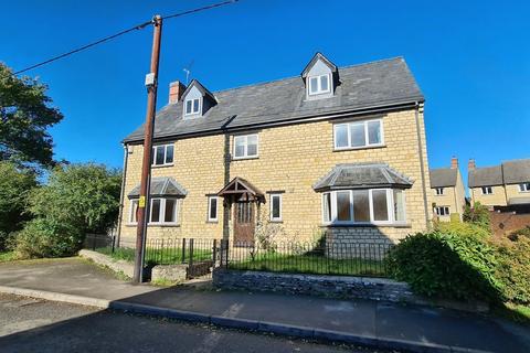 5 bedroom detached house for sale - Station Road, Helmdon