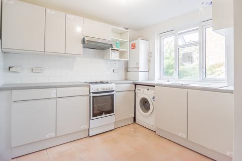 3 bedroom ground floor maisonette to rent - Commerce Road, London, N22