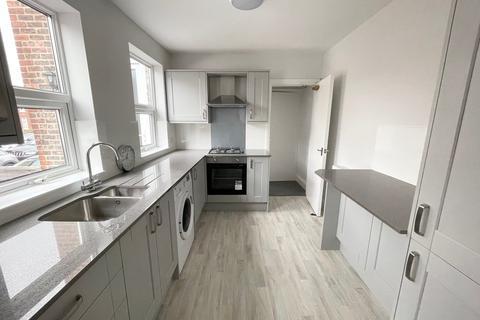 1 bedroom apartment to rent - Mersey Road, Sale