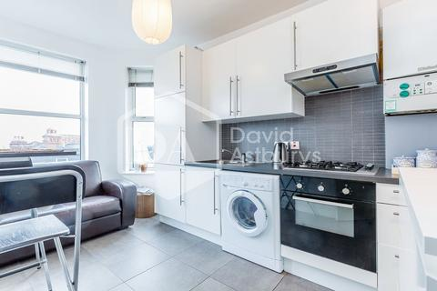 Studio to rent - Hillfield Park Mews, Muswell Hill, London