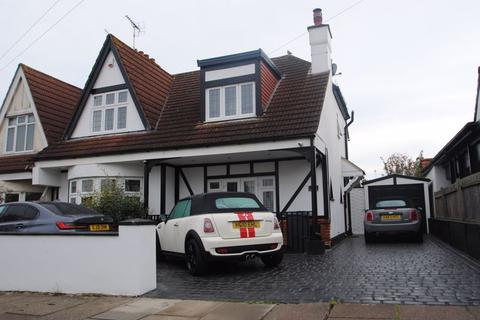 3 bedroom semi-detached house to rent - Woodcote Road, Leigh-On-Sea