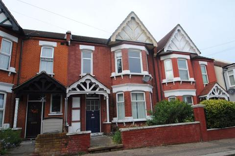 2 bedroom apartment for sale - Silverdale Avenue, Westcliff-On-Sea