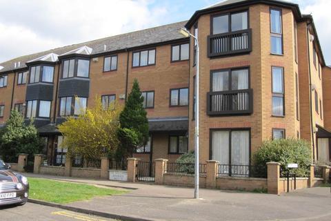 2 bedroom flat to rent - The Mallards, Cambridge,