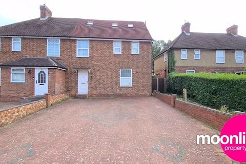 5 bedroom semi-detached house to rent - Edulf Road, Borehamwood, WD6