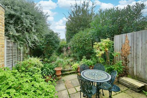 3 bedroom terraced house for sale - Chatham Road, London, SW11