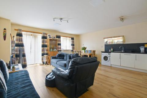 3 bedroom apartment for sale - Central West, Ruislip Road East, Greenford