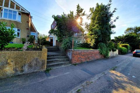 4 bedroom semi-detached house to rent - Cheshunt, EN8