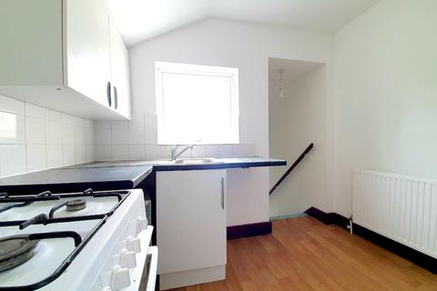 2 bedroom flat to rent - Nags Head Road Enfield Middlesex