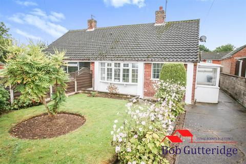 2 bedroom semi-detached bungalow for sale - Deneside, Newcastle, Staffs