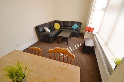 3 bedroom flat to rent - Musters Road, NG2 - NTU