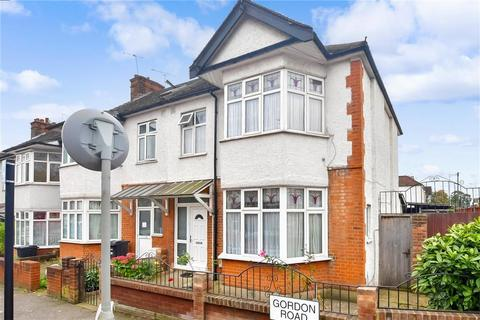 3 bedroom semi-detached house for sale - Gordon Road, South Woodford