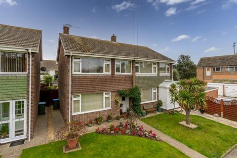 3 bedroom semi-detached house for sale - Warwick Close, Nyetimber, Bognor Regis, West Sussex, PO21 3JJ