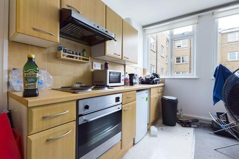 Studio to rent - St. Georges Road, Brighton BN2