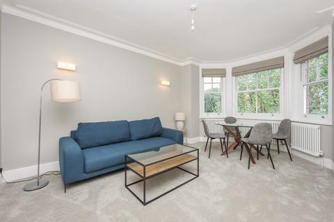 3 bedroom apartment to rent - Ruskin Mansions, Queens Club Gardens, W14